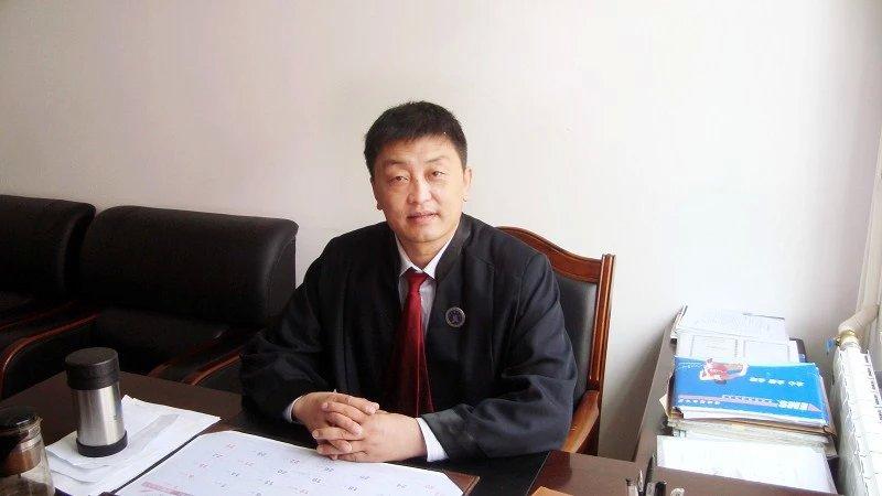 王刚betway88体育官网成功帮助34名劳动者讨回工薪